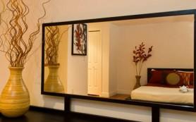 Размещаем зеркало в спальне
