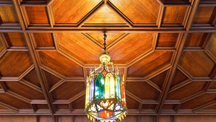 Деревянные потолки. В чём их особенность?