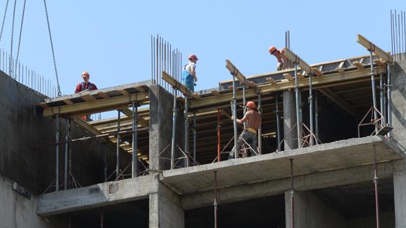 Валютным заемщикам грозит налог за конфискованные квартиры
