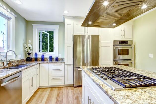 Кухня без верхних шкафов: как и зачем