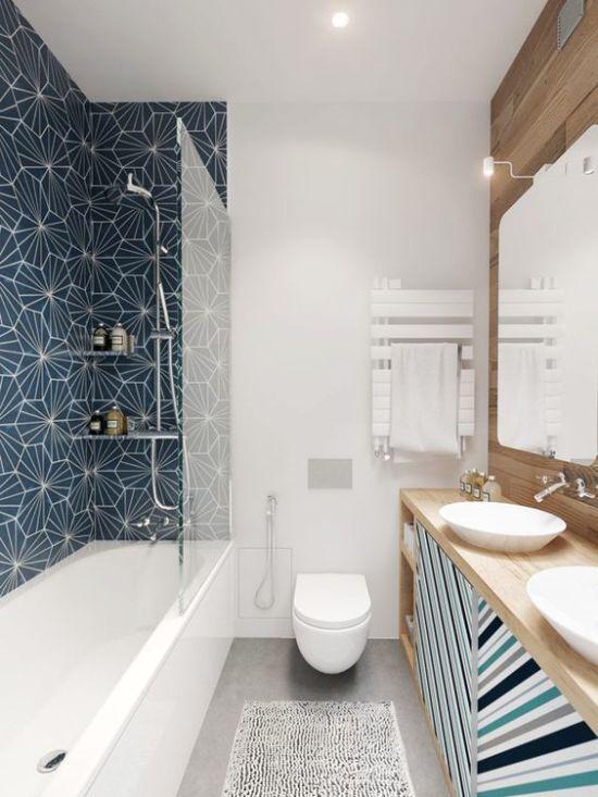 Нескучный интерьер ванной в сине-белых тонах: как это возможно