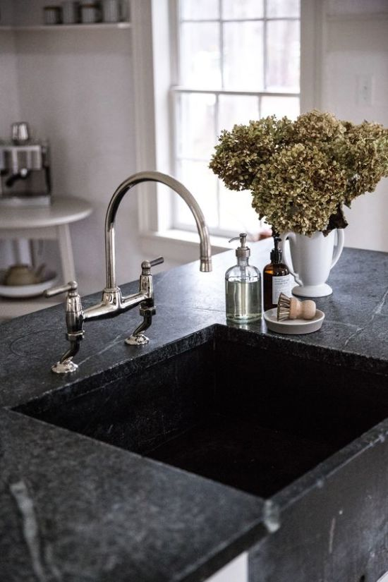 Все, что нужно знать о кухонной мойке из искусственного камня