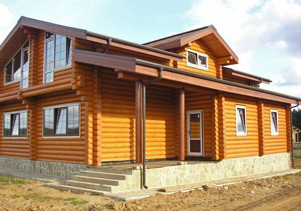 Из чего построить деревенский дом