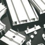 Как установить пластиковый потолочный карниз? Секреты уютного и комфортного интерьера