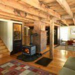 Изразцовая печь – самый изысканный компонент дизайна загородного дома