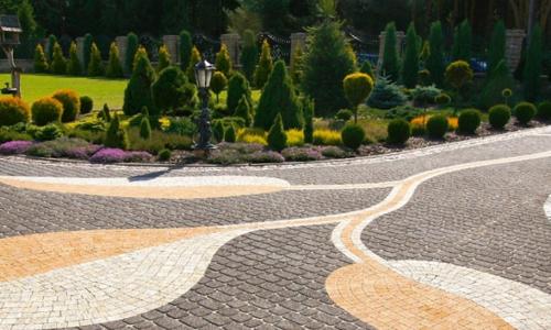 Асфальт или тротуарная плитка: плюсы и минусы