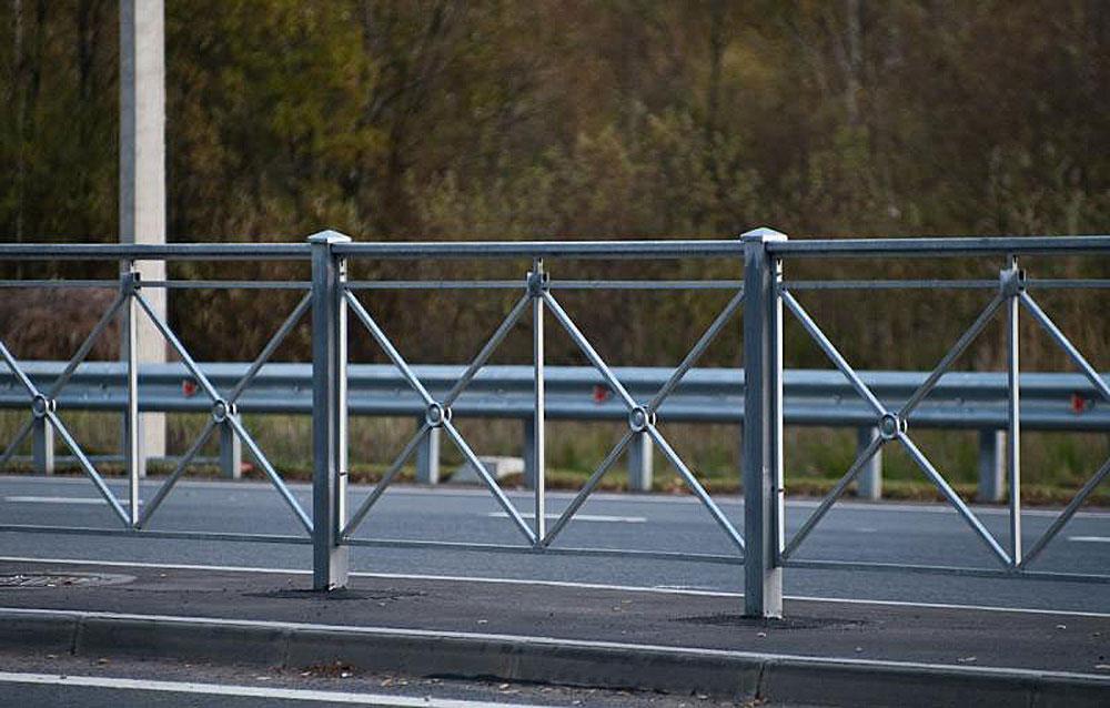 Производство и установка дорожных металлических ограждений