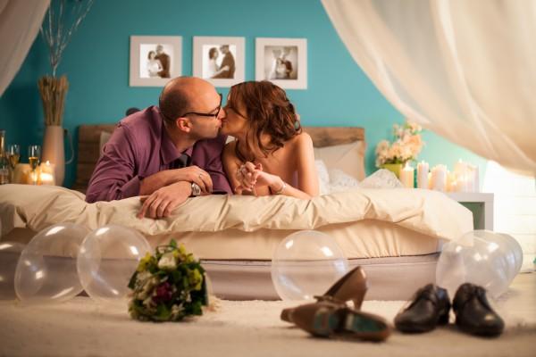 Как провести первую брачную ночь