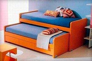Стоит ли покупать выкатную детскую кровать для двух детей?