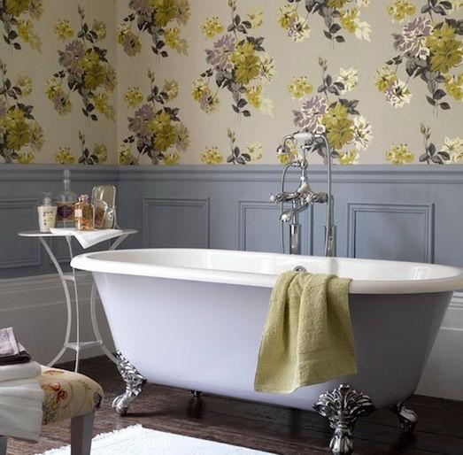 Плюсы и минусы обоев в ванной комнате