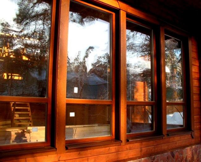 В чем основные достоинства деревянных окон?