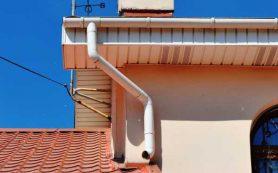 Предупреждение преждевременного старения и разрушения здания при помощи монтажа водостока