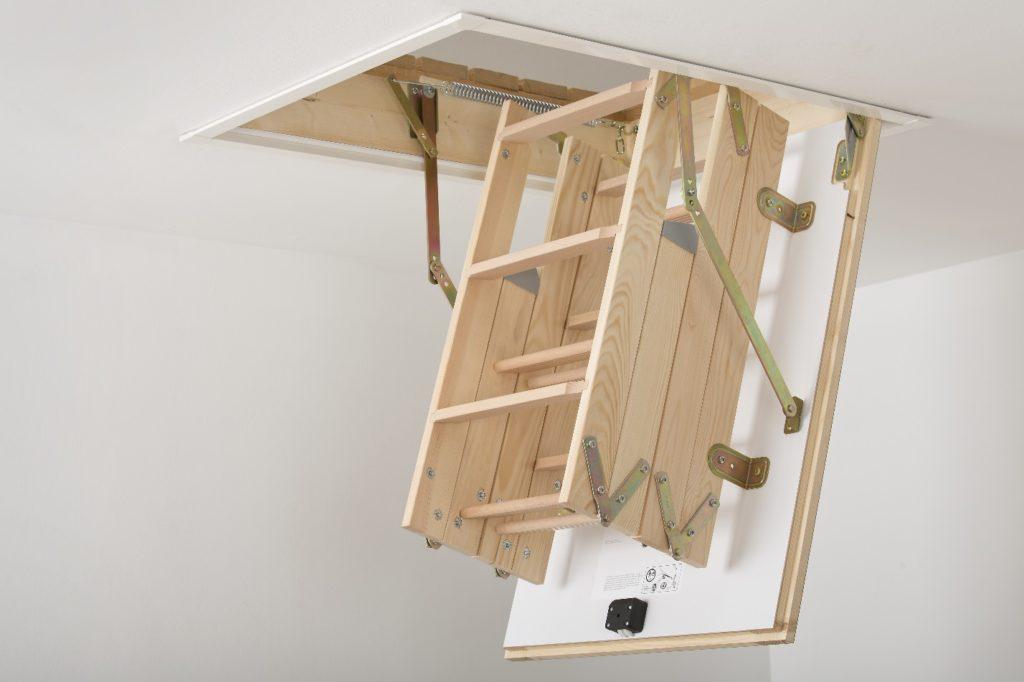 Стройматериалы для мансардного строительства. Чердачная лестница.