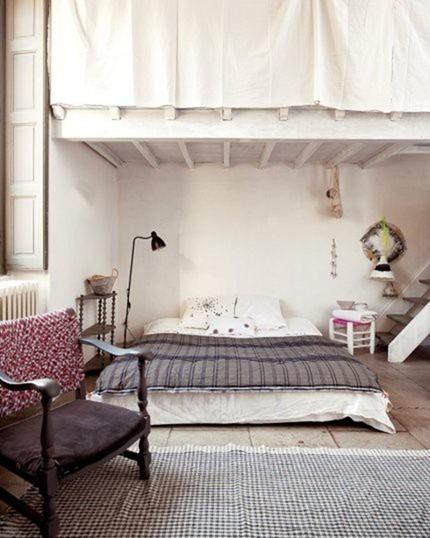 Матрас на полу, как альтернатива кровати