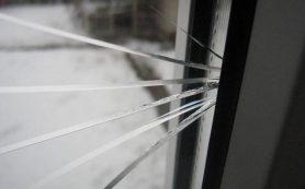 Как самостоятельно поменять разбитое оконное стекло?