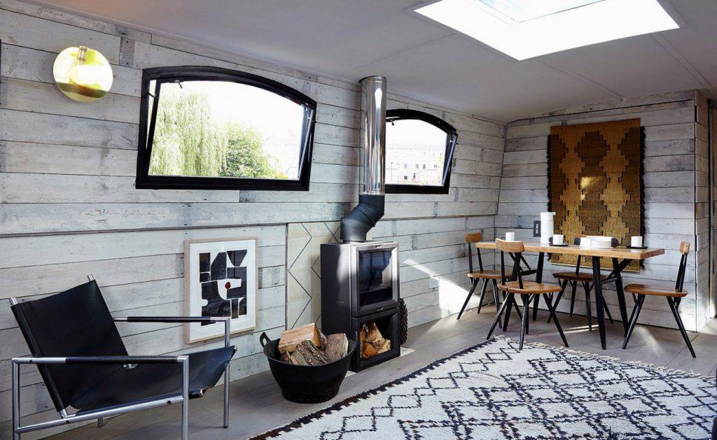 Уютный дом на корабле: пример отличного использования небольшого пространства