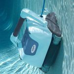 Почему робот пылесос эффективнее обычного аналога для бассейна?