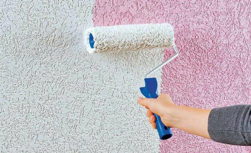 Как нанести краску на оштукатуренную стену