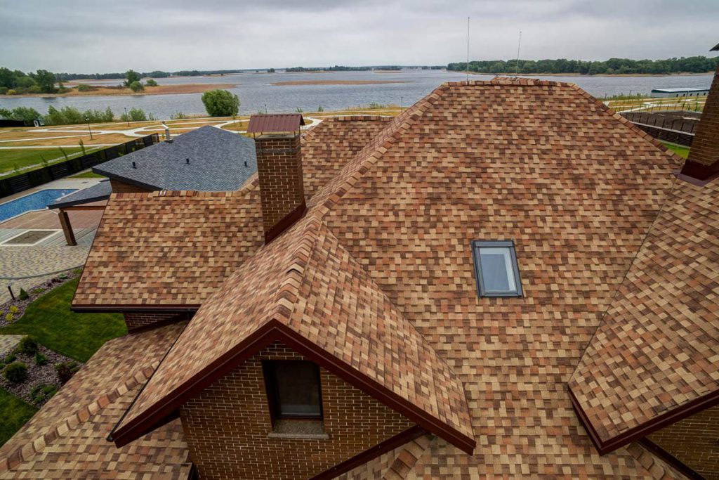 Какие окна выбрать для загородного дома: определяем по 5 важным параметрам