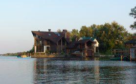 Покупка загородной недвижимости на подмосковном речном побережье
