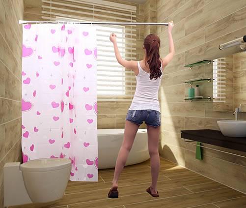 Из каких материалов изготавливают карнизы для ванных комнат?