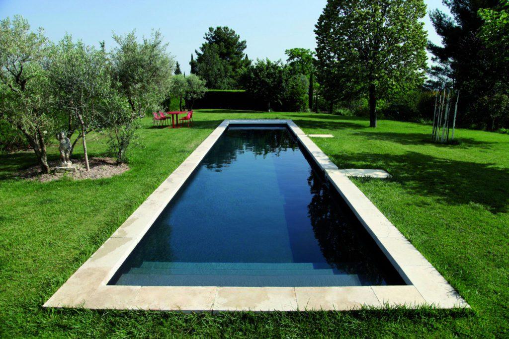 Бассейны по французской технологии: безупречное качество