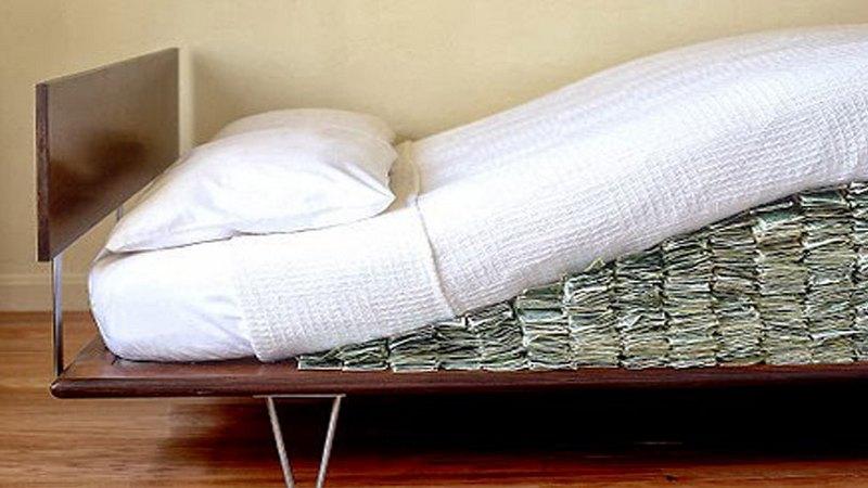 Ищи-свищи: где нельзя прятать ценные вещи и деньги в квартире