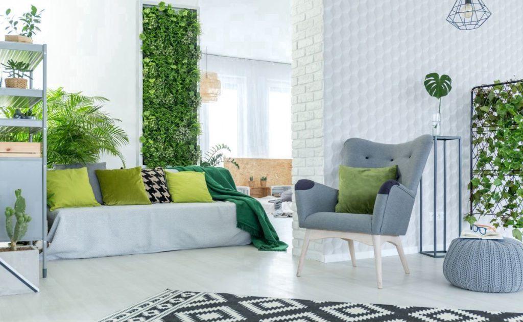 Движение вверх: как разнообразить интерьер вертикальным озеленением