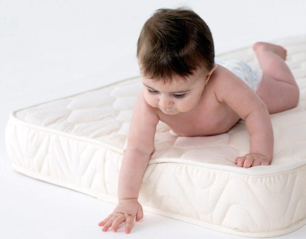 Как выбрать детский ортопедический матрас?