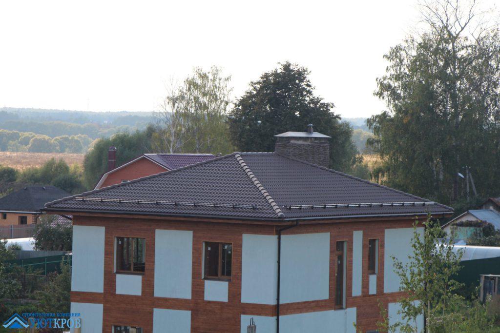 Строительство крыши загородного дома с утепляемой мансардой