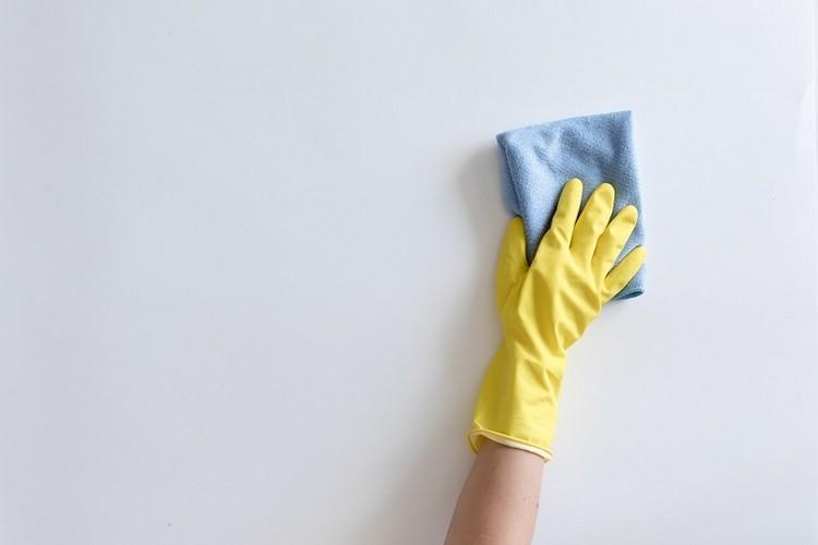 Как помыть окрашенные стены