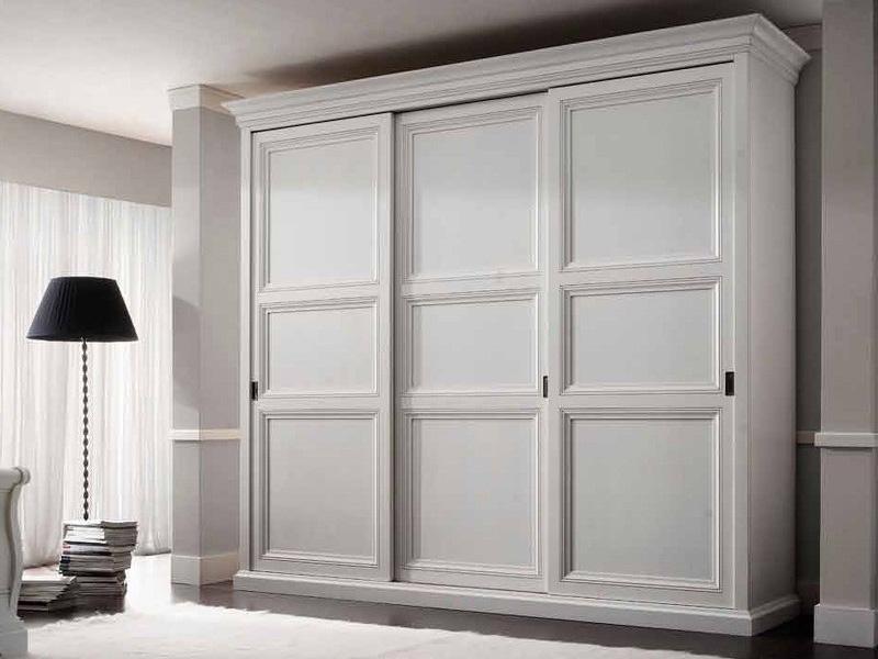 Функциональные шкафы в интерьере дома