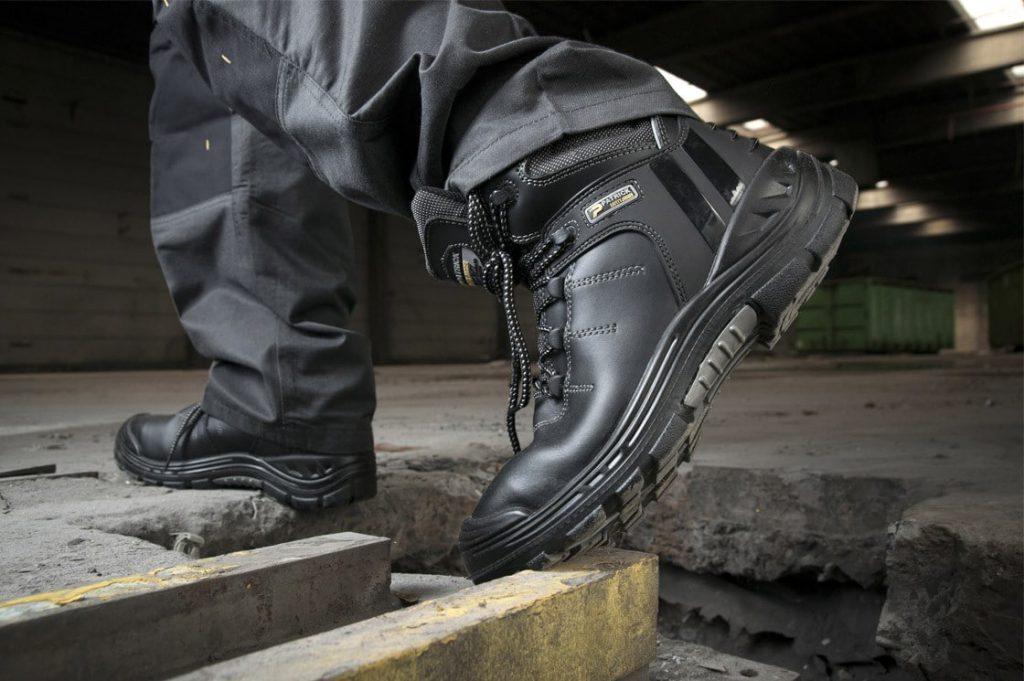 Обувь в качестве спецодежды
