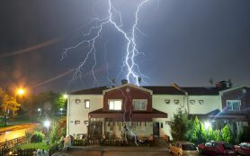 Молниезащита и заземление: как обезопасить свой дом во время грозы?