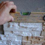 Как клеить гипсовую плитку, чтобы получить хороший результат