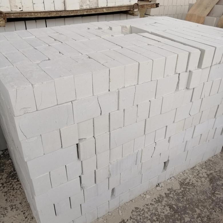 Белый кирпич в строительстве