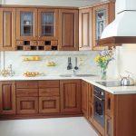 Угловые кухни: большие возможности в маленьких помещениях