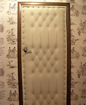 Дизайн обивки двери