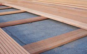 Напольное покрытие из древесины.