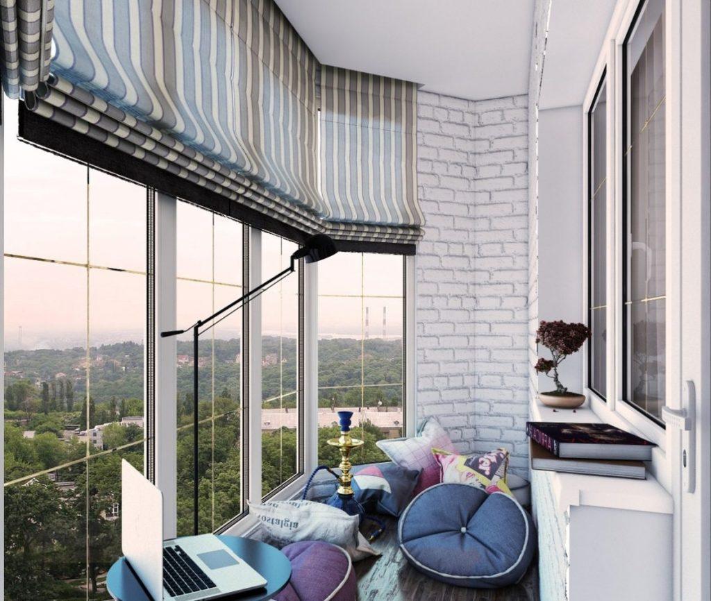 Комната на балконе: варианты освоения крохотной территории