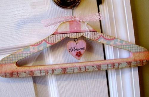 Идеи для дома: милая вешалка для девочек