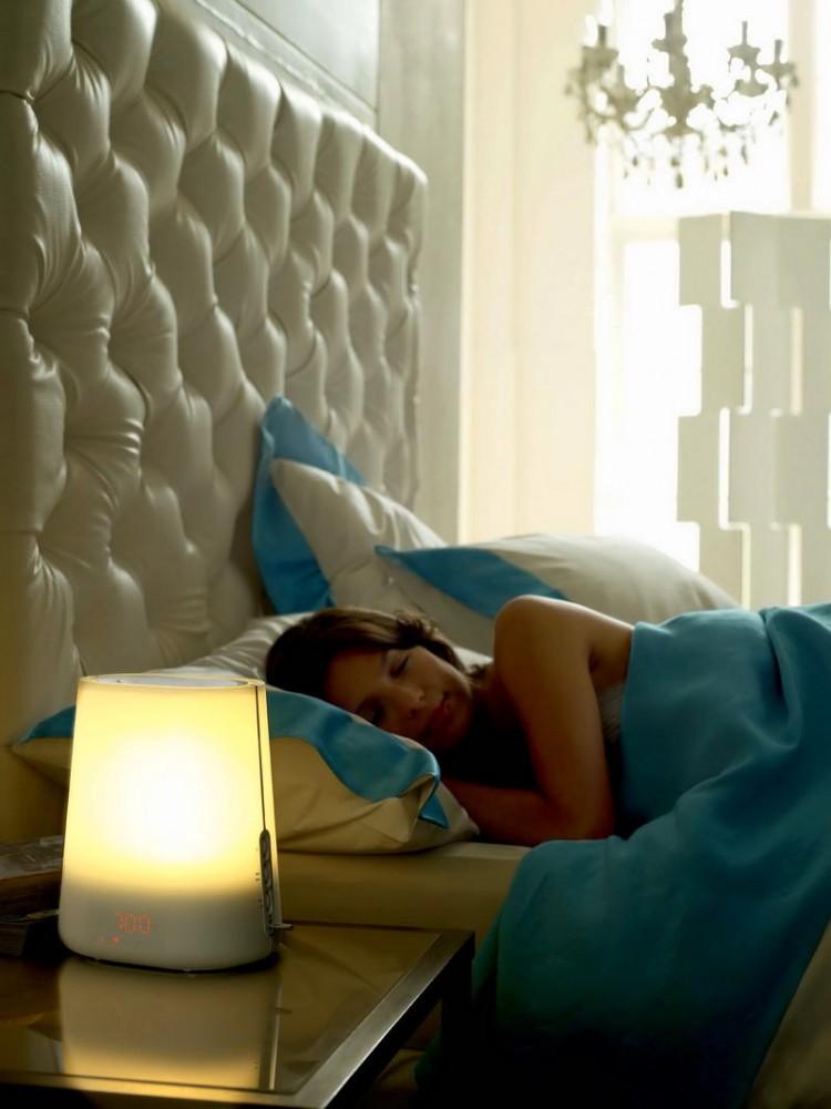Как сделать спальню темнее ночью и светлее днём: 5 полезных советов