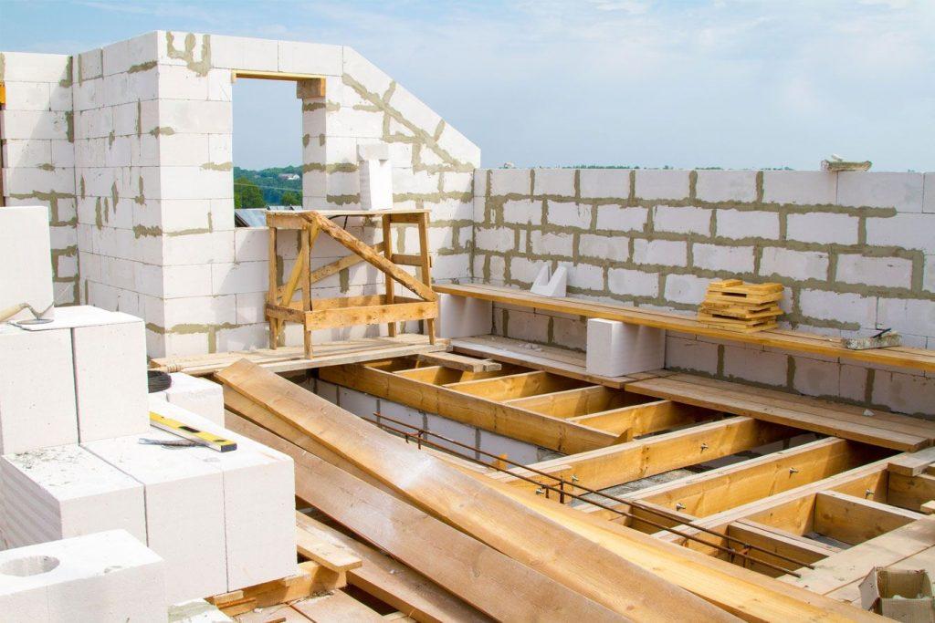 Тонкости строительства дома из газобетона