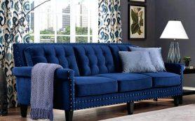 Велюровый диван в интерьере квартиры